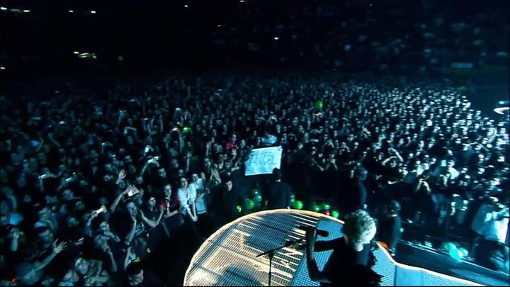 DEPECHE MODE - Touring The Angel (live in Milan, 2006) [2006] HD 720