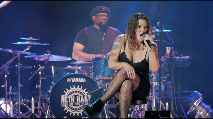 Beth HART (США) -- Your Heart Is As Black As Night (Live At The Royal Albert Hall)