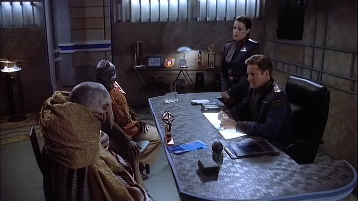Вавилон-5.Сезон 2/Babylon 5.Season 2(22)The Fall of Night (Нашествие тьмы)