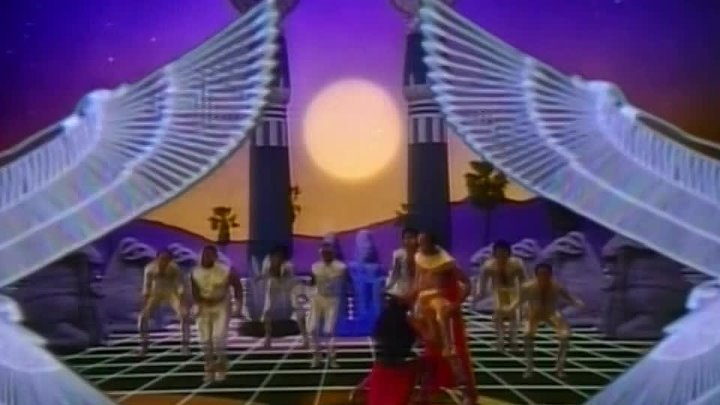 Earth, Wind & Fire - Fall in Love with Me 1983