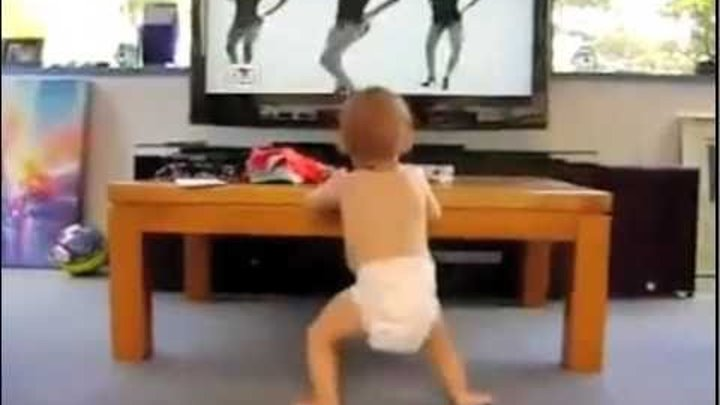 Baby dances to Single Ladies-Beyonce(funny)