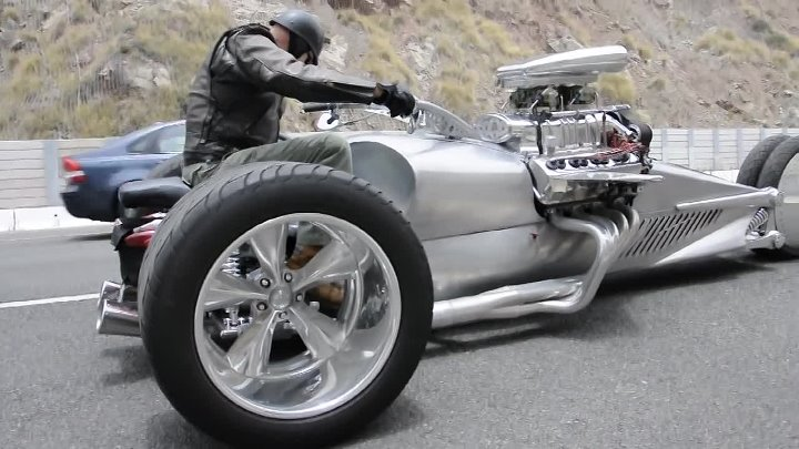 Tim Cotterill The Frogman, Rocket 2 Trike. Size Does Matter