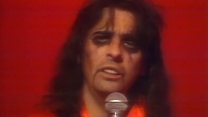 Alice Cooper - Only Women Bleed - http://ok.ru/rockoboz (2572)