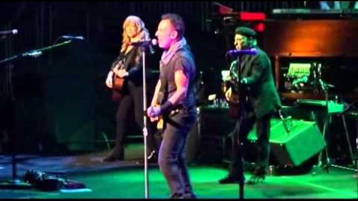 Bruce Springsteen - Born In The USA - 2016 - Louisville, KY Yum Center - Soundboard Audio