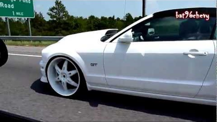 "ALL WHITE: Buick Regal on 24"" DUB Trumps & Ford Mustang GT on 24's on Interstate [HomeTeam] - HD"