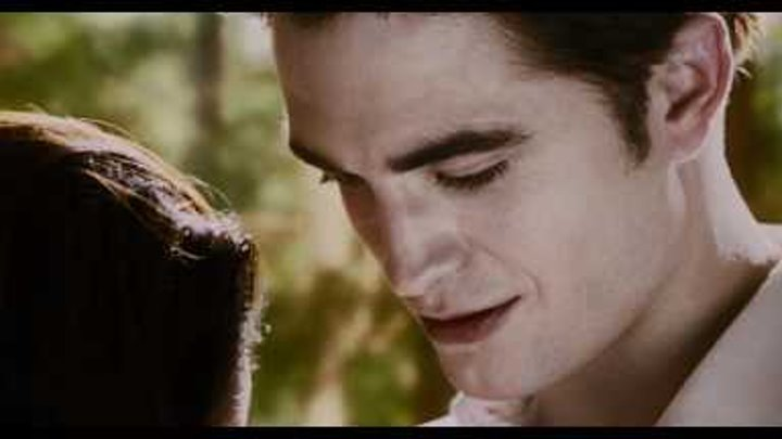 THE TWILIGHT SAGA: BREAKING DAWN - PART 2 - Teaser Trailer Sneak Peek